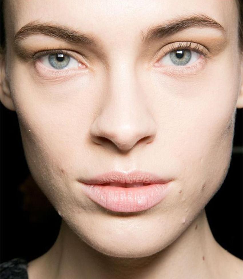 erros-de-maquiagem-que-te-fazem-parecer--mais-velha-blog-flavia-carboni