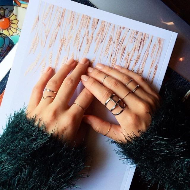 pode-misturar-bijous-douradas-e-prateadas-blog-flávia-carboni